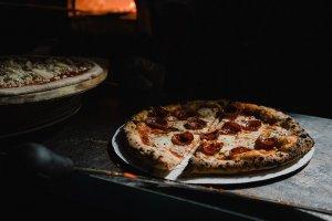 Lombardi's Pizza cotta al forno