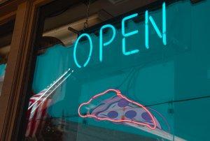 Lombardi's Pizza segnale luminoso aperto