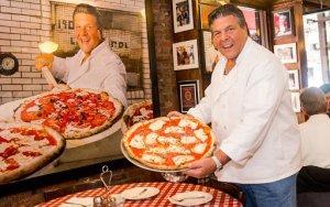 Lombardi's Pizza Foto propietario