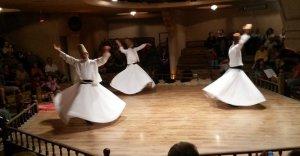 Gruppo darviscio che balla ad Istanbul Turchia